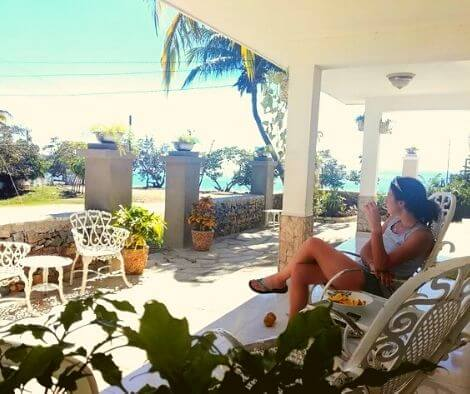 Snacking on the patio of a casa particular
