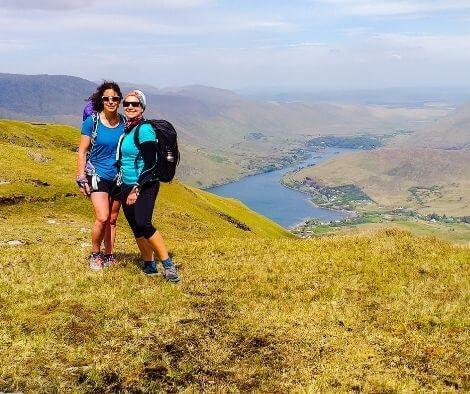 Rachel and Iszy hiking in Ireland