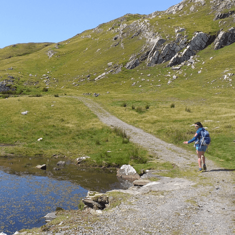 Plan a trip to explore the islands and cliffs of the emerald isle7