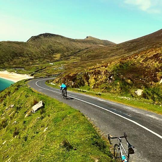 Cycling tours along the Wild Atlantic Way in Ireland (8)
